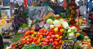 vegetables on spanish market counter